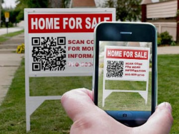 QR Code at House For Sale Sign